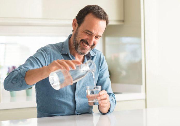 Hidratação - Formas de manter-se hidratado na terceira idade