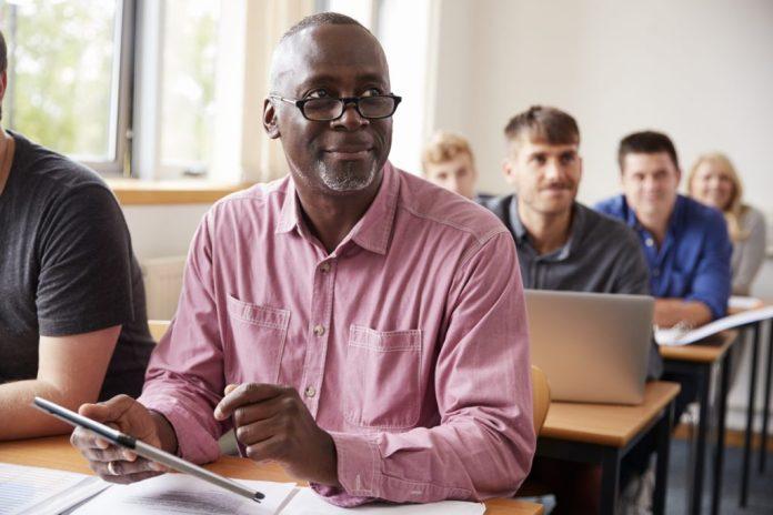 Estudar na Terceira Idade – Muitos benefícios