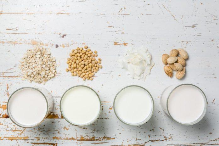 Leite integral, desnatado e sem lactose