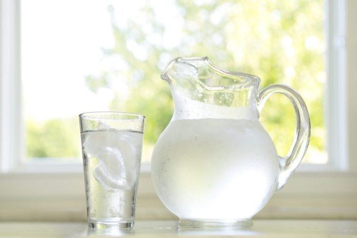 12 motivos para consumir mais água