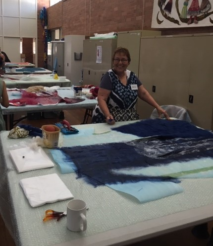 7.-Marion-Finneran-laying-out-wool