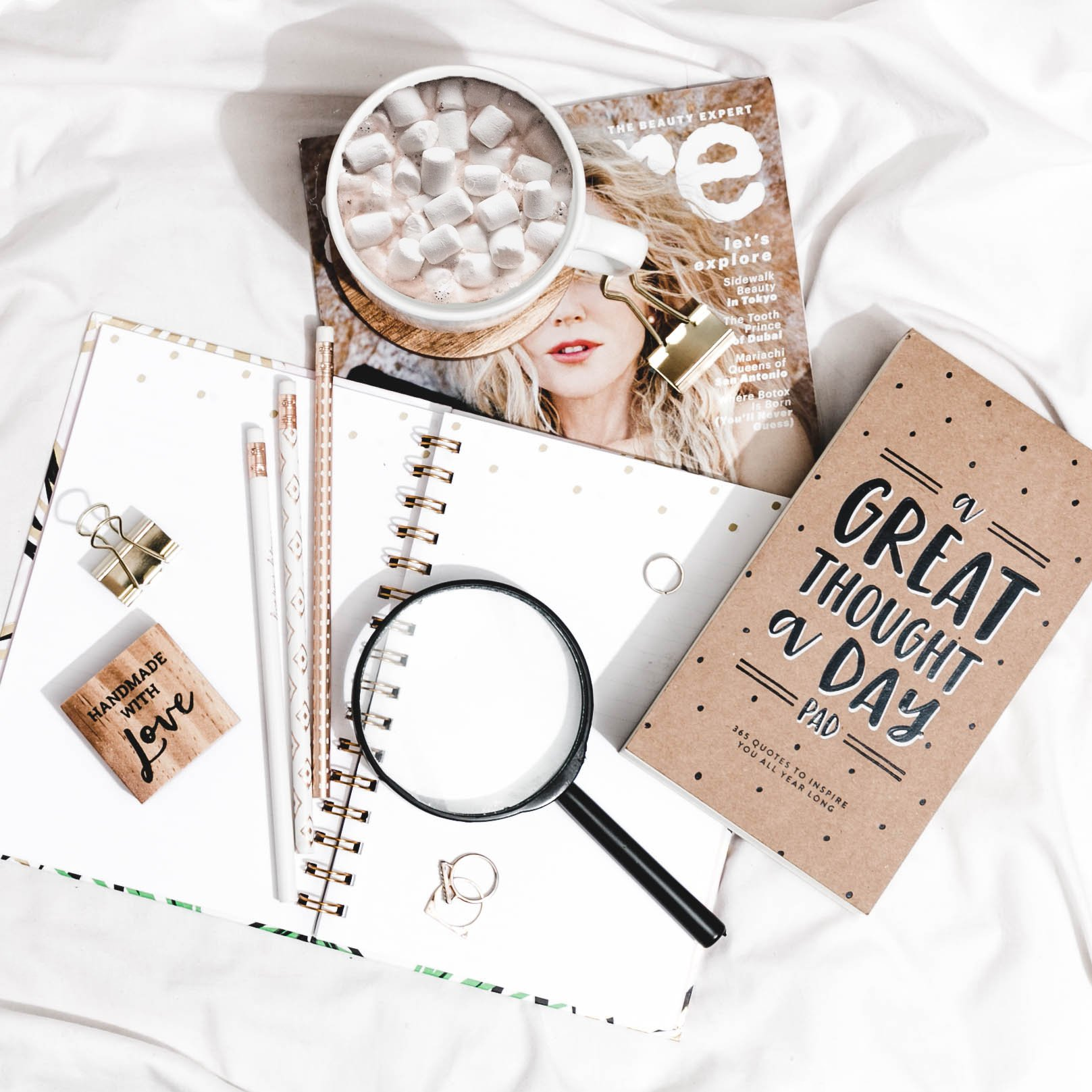 8 Things to Do After Starting a Blog Free Flatlay 14 Jan 2019
