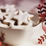 Dolci di Natale: Biscotti alla cannella con glassa