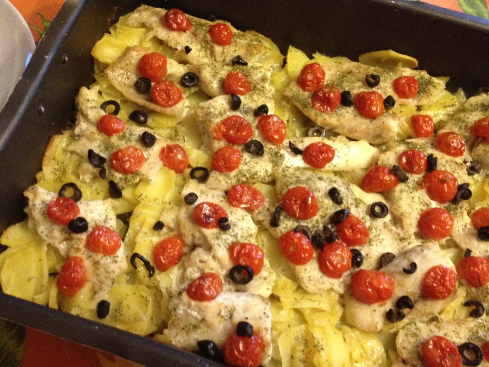 Secondi Piatti Di Natale Pesce Persico Con Patate Pomodorini E