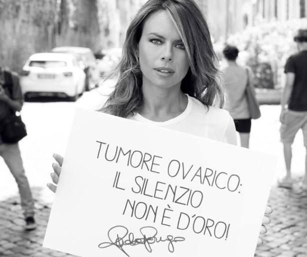 I selfie contro il tumore ovarico: parte la campagna