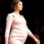 Bianca Balti per Dolce & Gabbana: in passerella col pancione