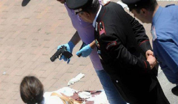 Femminicidio a Roma: uccide la moglie 23enne con un colpo di pistola alla testa