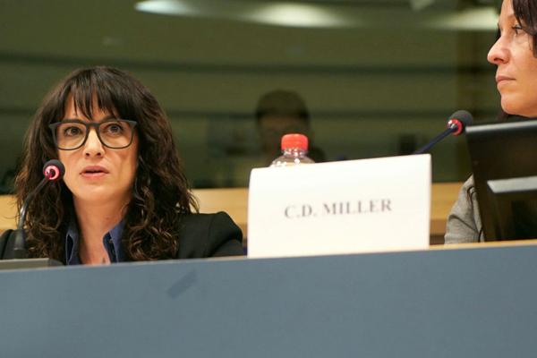 Asia Argento: il discorso al Parlamento Europeo in onore delle donne
