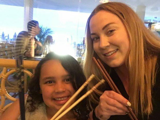 Natalie Kirkwood novemberben egy üzletben vette a szoknyát a hét éves Sofie-nak.