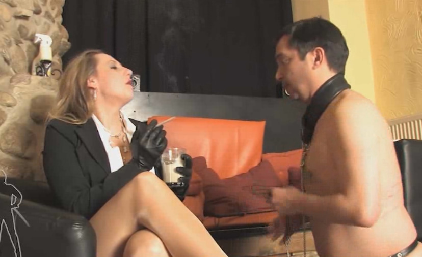 Girl gets asshole fucked in front
