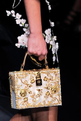 Dolce & Gabbana (90)
