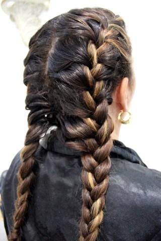 Esther-Palma-Comunicacion-trenza-boxeadora-boxer-braid-Alma-Luzon-estilista-capilar-peluqueria-Madrid (3)