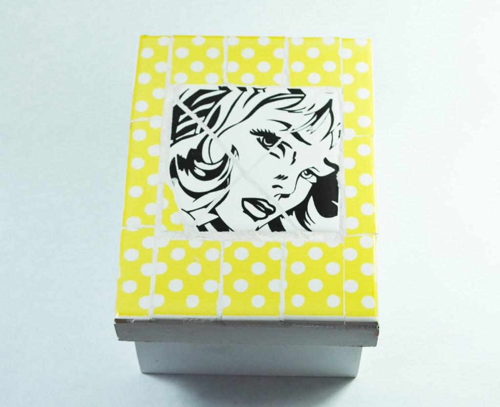 Grana Trencadis presenta su nueva línea de productos Pop Art de color amarillo