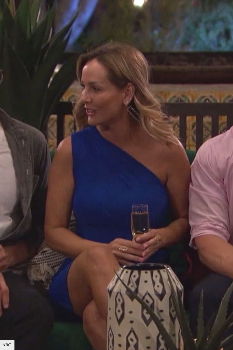 the bachelorette clare crawley outfits