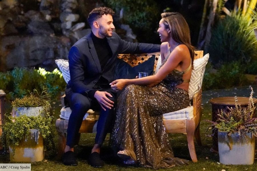 the bachelorette tayshia adams ex husband divorce