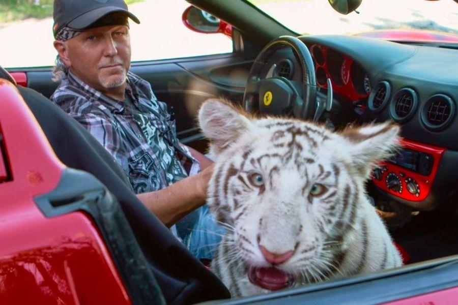 tiger king joe exotic pardoned trump