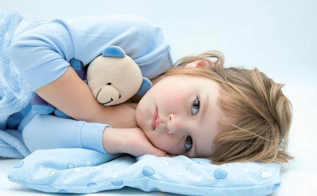 Los osos de peluche con tubos de alimentación ayudan a los niños con síndrome de Ehlers-Danlos a adaptarse