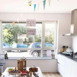 Onze housewarming | Hoek met drinken en hapjes