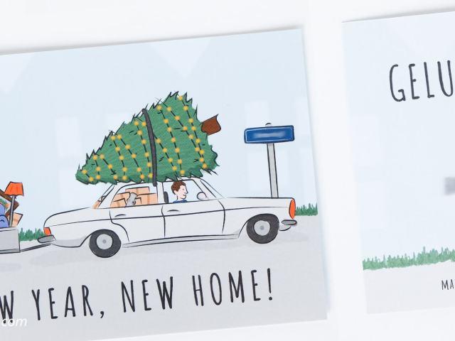 Verhuiskaart ontwerp New year, new home! | Deze verhuiskaart mocht ik ontwerpen voor mijn broertje. Ik maakte een illustratie van een auto met kerstboom en volgepakte aanhangwagen.