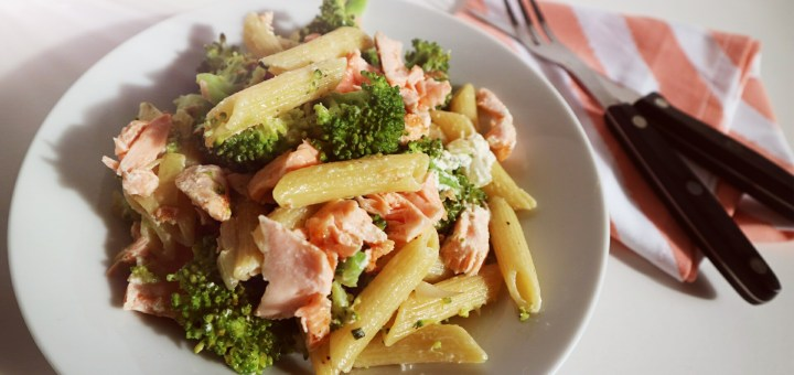 Pasta broccoli en pulled zalm