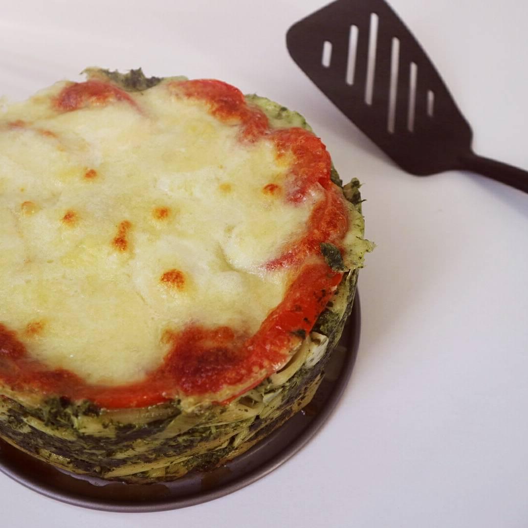 pasta taart met mozzarella en spinazie