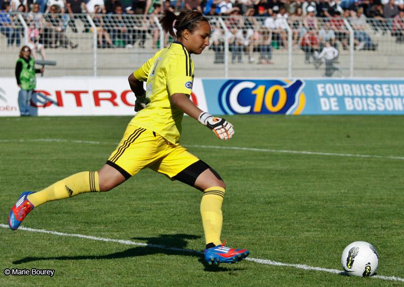 Sarah Bouhaddi - Olympique Lyonnais - Football Féminin - - Sport Féminin - Femmes de Sport