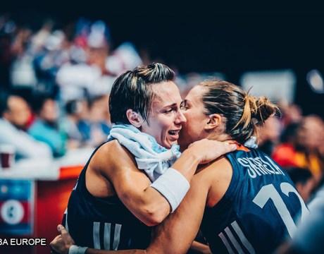Basket France - Céline Dumerc & Gaëlle Skréla