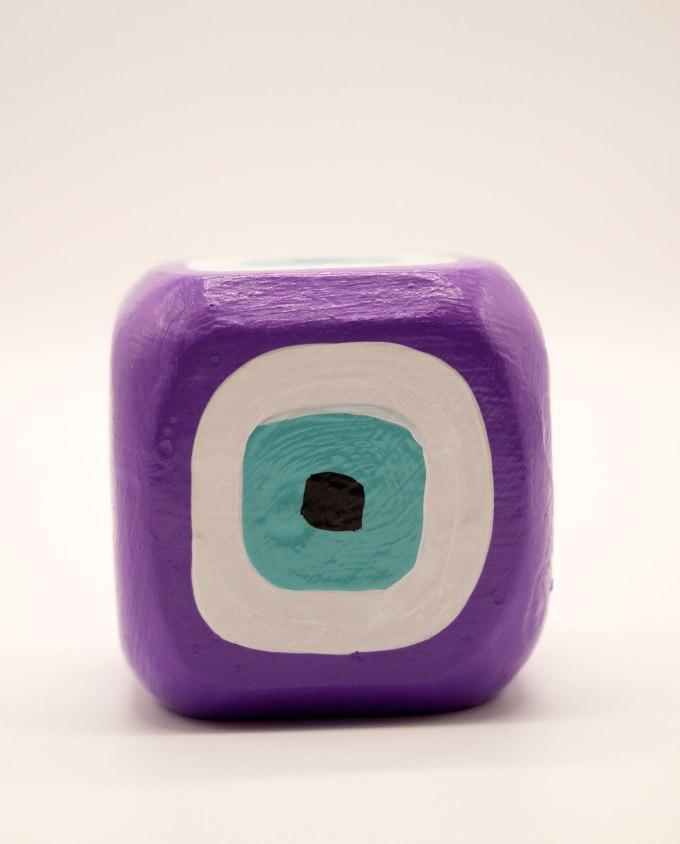 Κύβος ματάκι ξύλινος χειροποίητος 8.5 cm x 8.5 cm x 8.5 cm μωβ