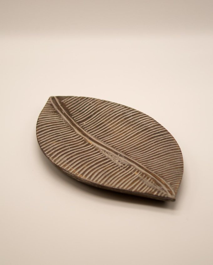 Πλατώ ξύλινο καφέ φύλλο μήκους 40 cm