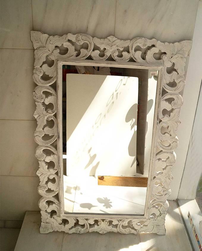 Καθρέπτης ξύλινος χειροποίητος σκαλιστός άσπρος ντεκαπέ 120 cm x 80 cm