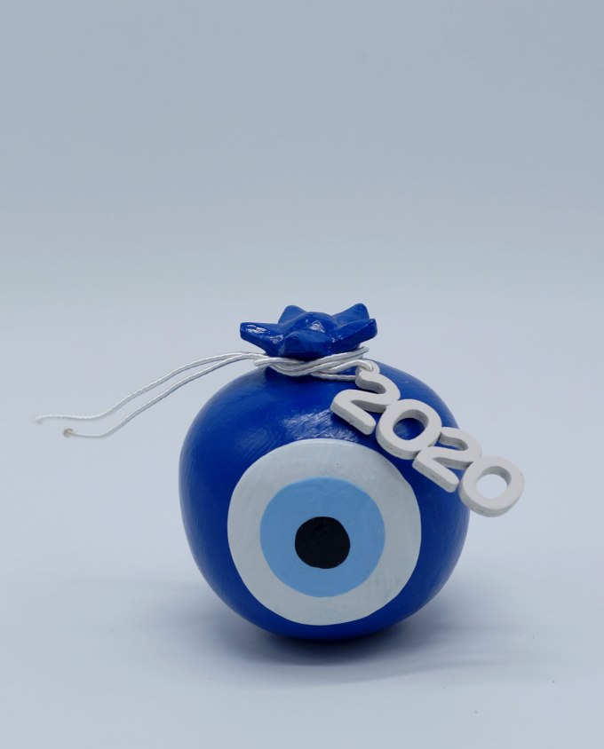 Lucky charm 2020 round blue pomegranate wooden