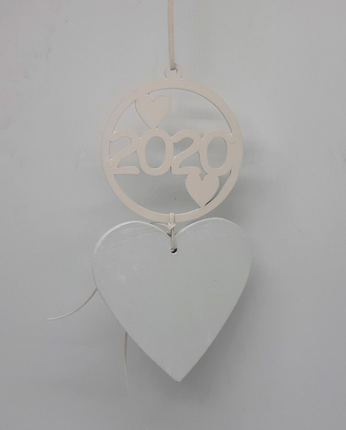 Lucky charm 2020 wooden heart white