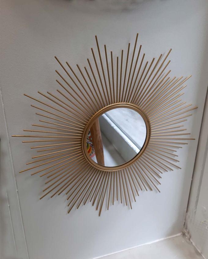 "Mirror gold metal ""Sunbeams"" diameter 50 cm"