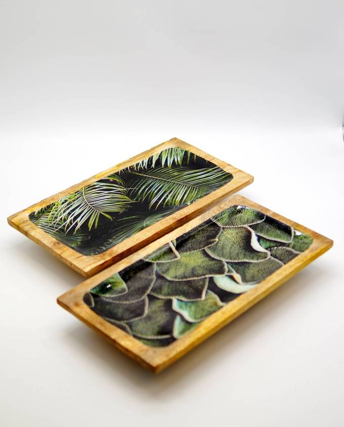 Platters wooden from Mango wood, light brown with inside leaves pattern