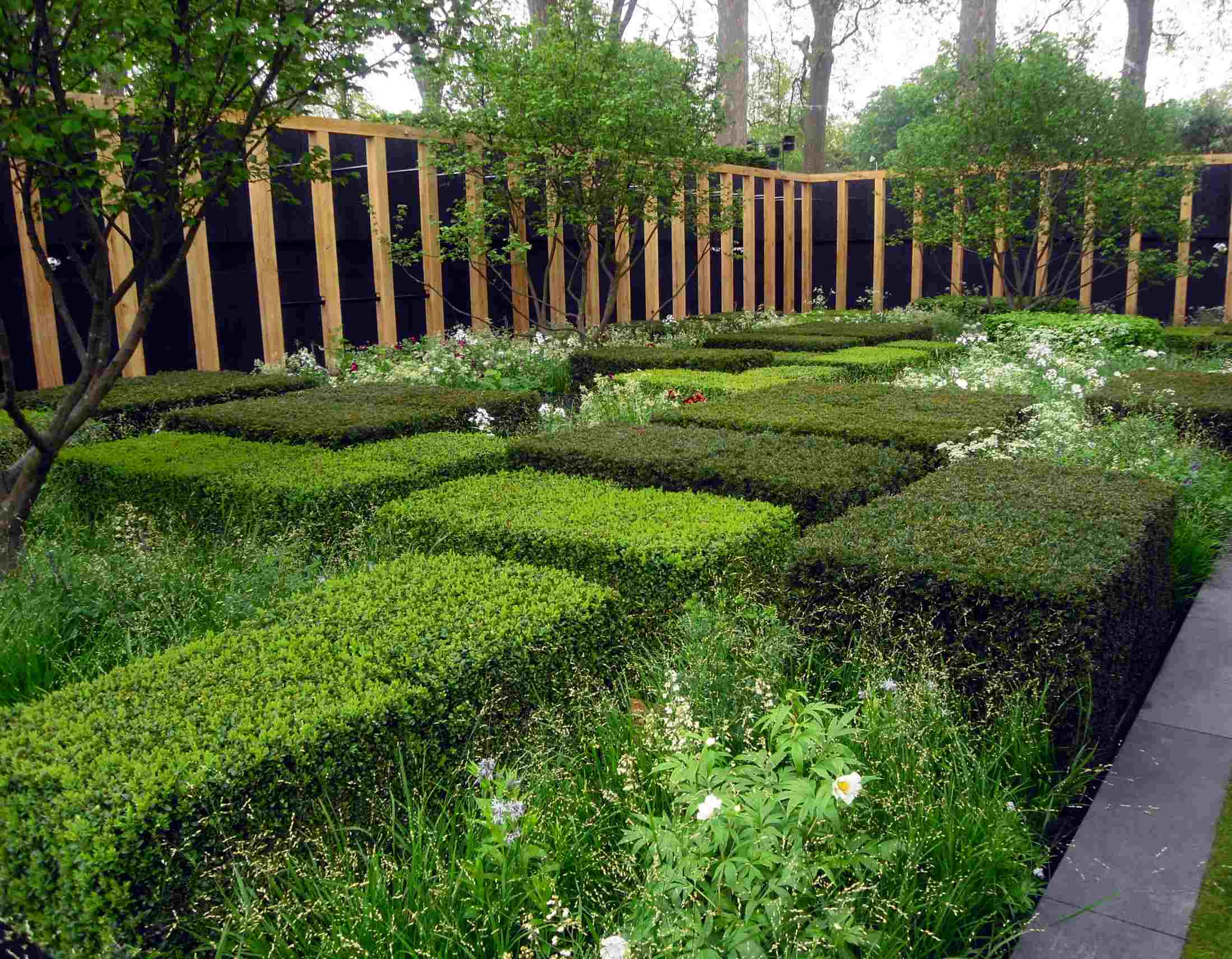 Feng Shui garden pictures - harmony for the eye on Modern Feng Shui Garden  id=44210