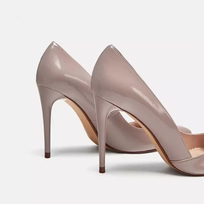 The Ferago Pointed Toe Pumps 3