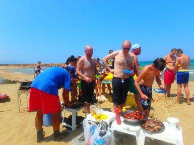 Grillen am Strand von Kreta
