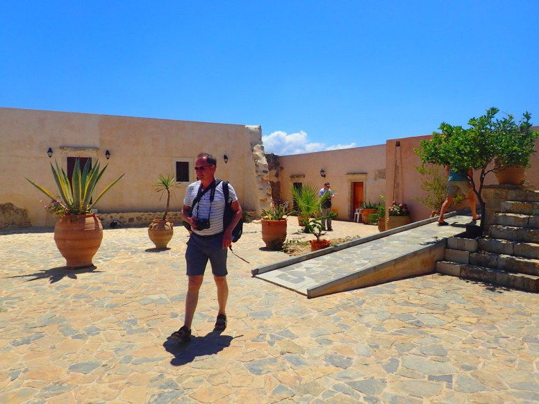 altes kloster kreta