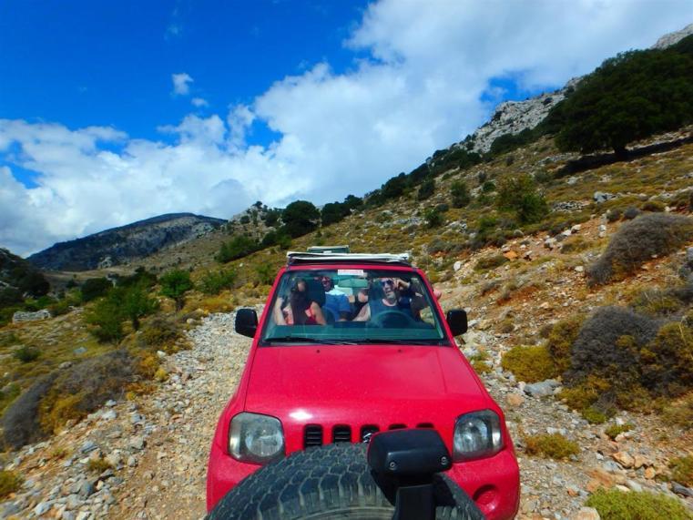 Jeep und Wandern