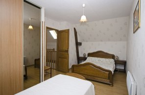 Chambre 1 lit double et 1 lit simple