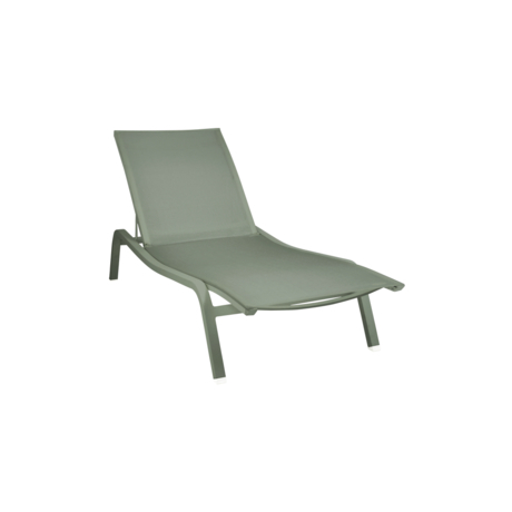 sunloungers chaises longues fermob