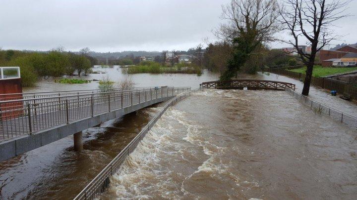 La necesidad de reglamentar sobre el flujo de los ríos
