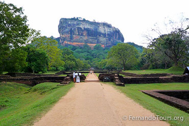 Places to see in Sri Lanka Sigiriya - 3 Days / 2 Nights Package Tour Sri Lanka