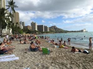 Honolulu Hawaii O´ahu - Waikiki Beach - total überfüllt