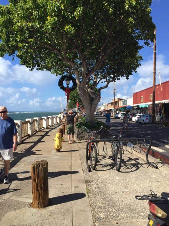 Maui Hawaii - Lahania - Westernstyle mit Weihnachtsdeko
