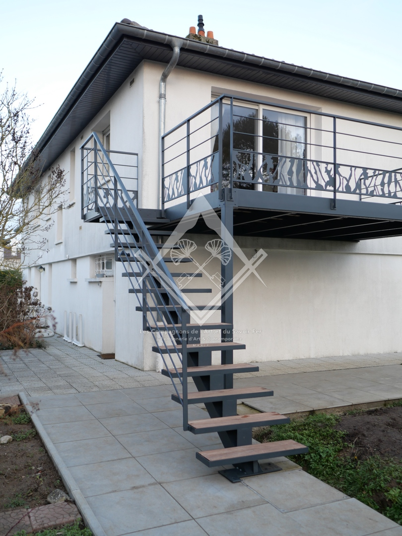 terrasse suspendue en acier bois a