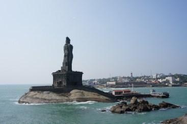 Die Statue erinnert an einen indischen Philosophen