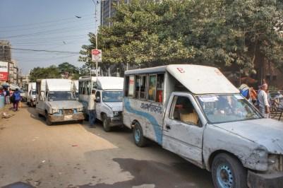 Die meisten Busse und Pick-ups für die Personenbeförderung sind Unikate. Es wird verbaut, was gerade da ist