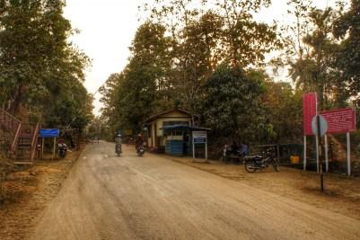 Geschafft, ich bin in Myanmar! Die Immigration läuft hier völlig unkompliziert ab