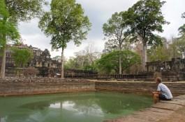 Obwohl Angkor Wat die No. 1-Touristenattraktion in Kambodscha ist, finden sich auf dem riesigen Areal Plätze der Ruhe, wie hier an der Tempelanlage Baphuon (bei Bayon)